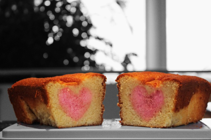 peek-a-boo heart cake01